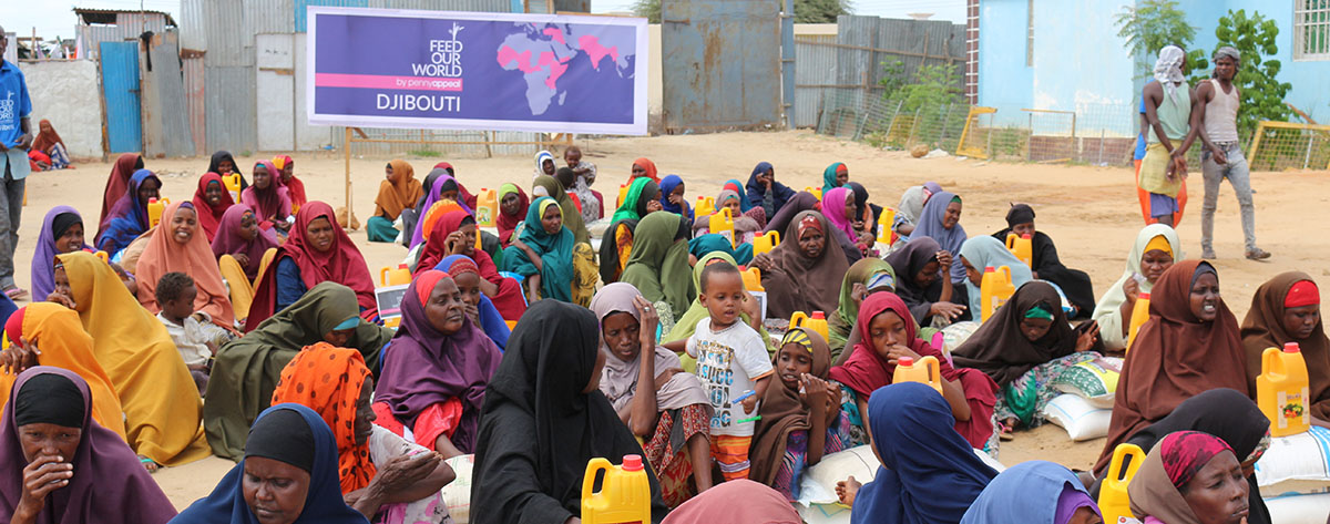 Women in Djibouti waiting for Food distribution