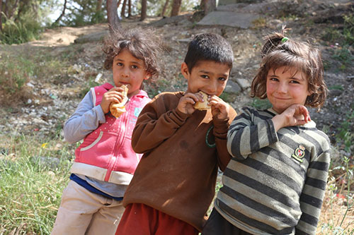 Lebanese children eating
