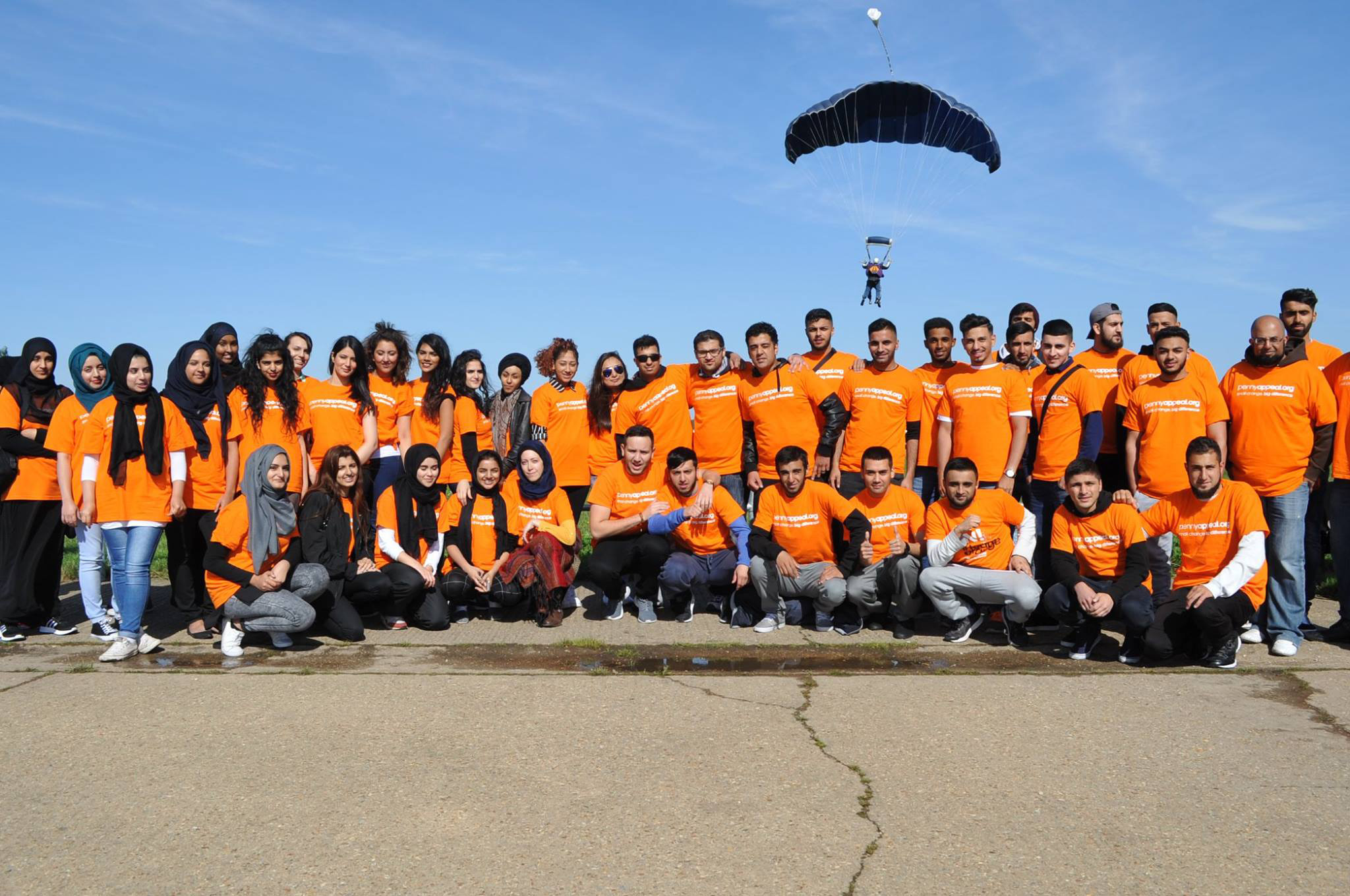 #TeamOrange skydivers